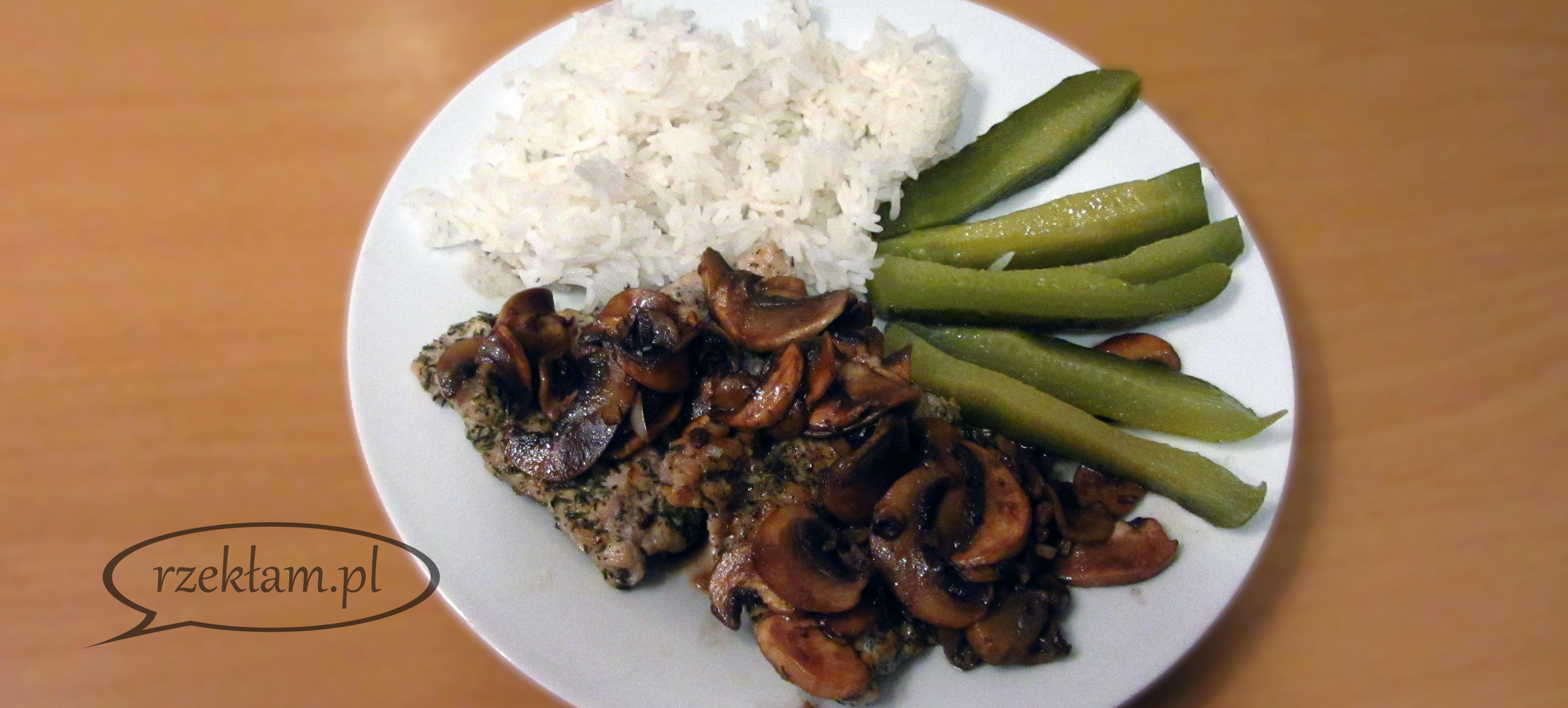 Alternatywa dla schabowego: kotlety wieprzowe z pieczarkami