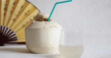 Woda kokosowa: napój energetyczny i kosmetyk w jednym