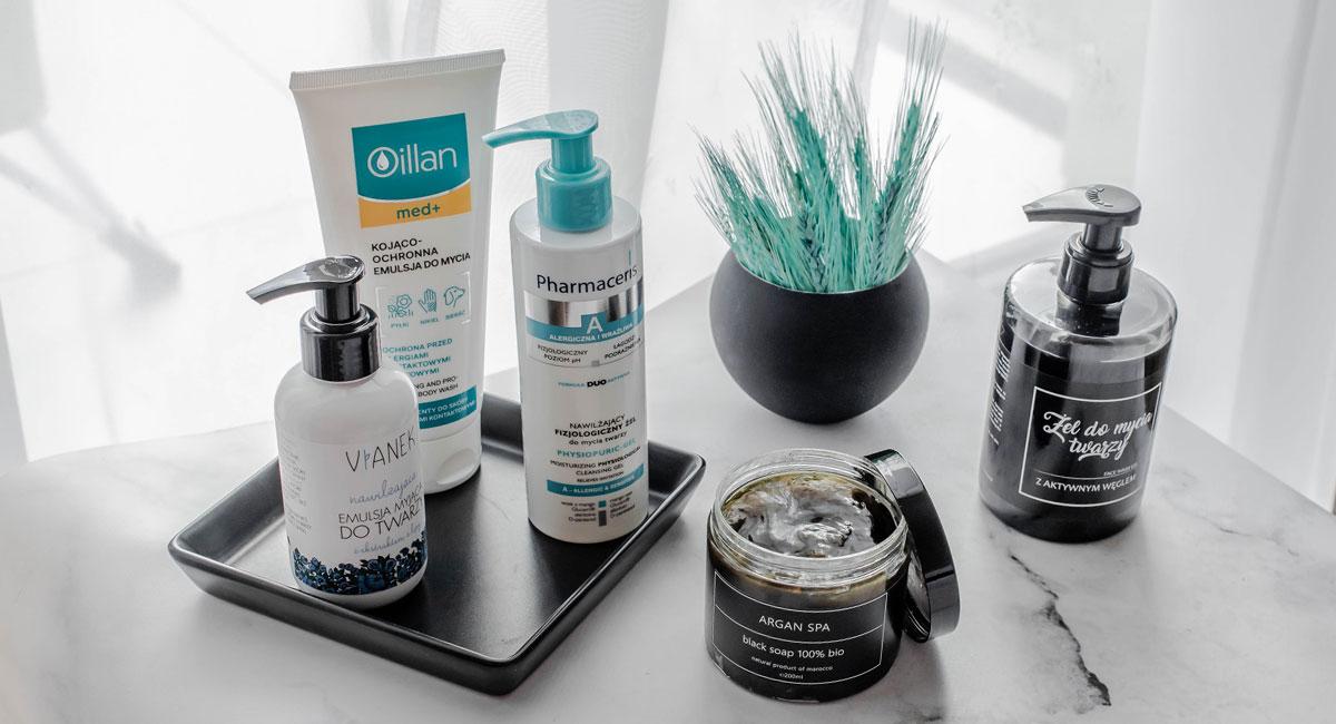 Jak dobrze oczyszczać cerę? Czym myć twarz? Najlepsze żele, pianki, emulsje oczyszczające