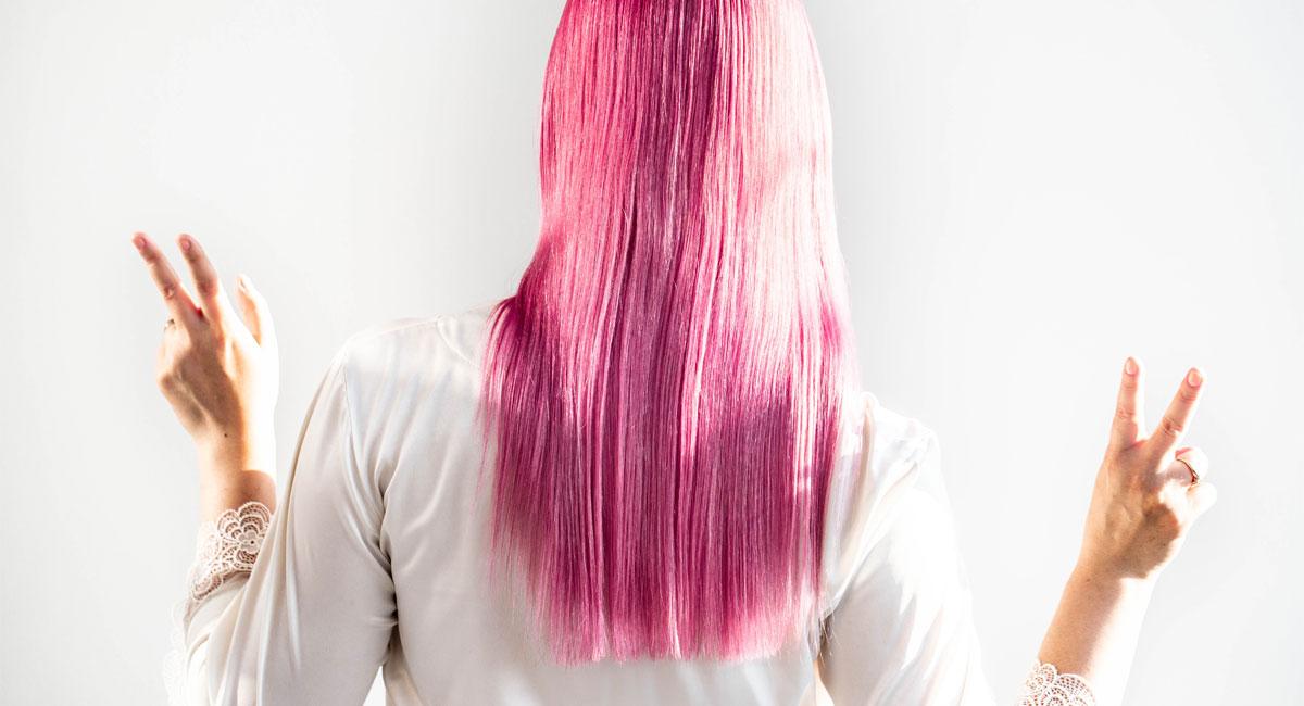 Jak pielęgnować różowe włosy? Sprawdzone produkty do włosów w szalonych kolorach
